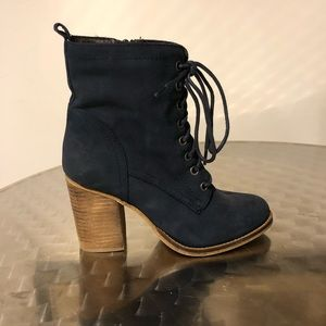 Steve Madden Navy Lace up Boots